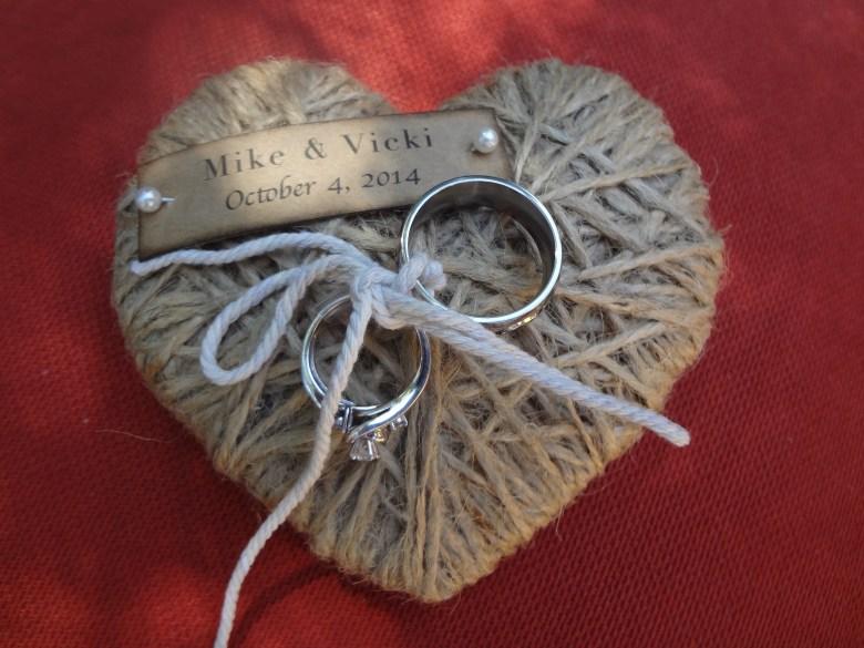 Intertwined heart