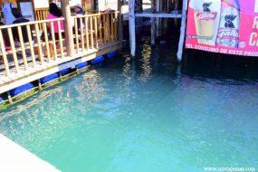 Agua cristalina del Lago Atitlán