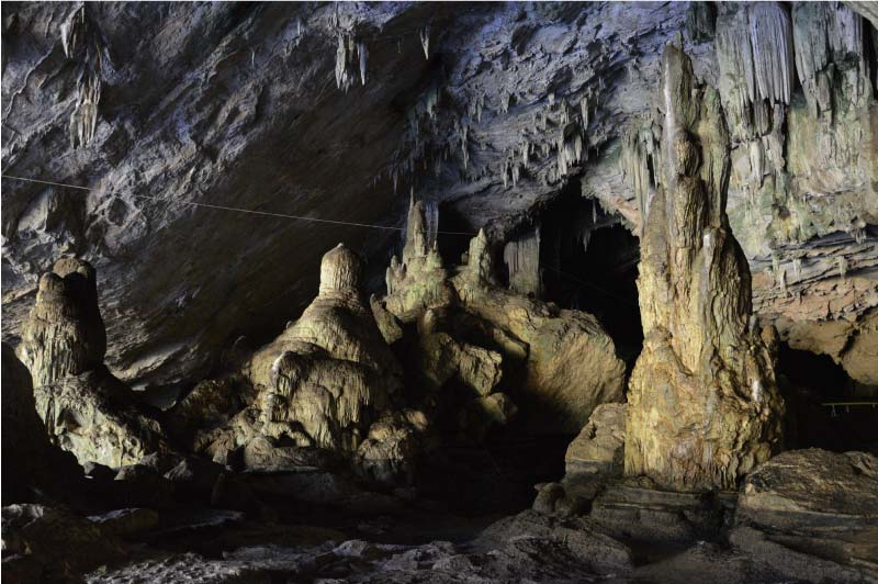 Lod Cave, Cueva de Pai, Tailandia.