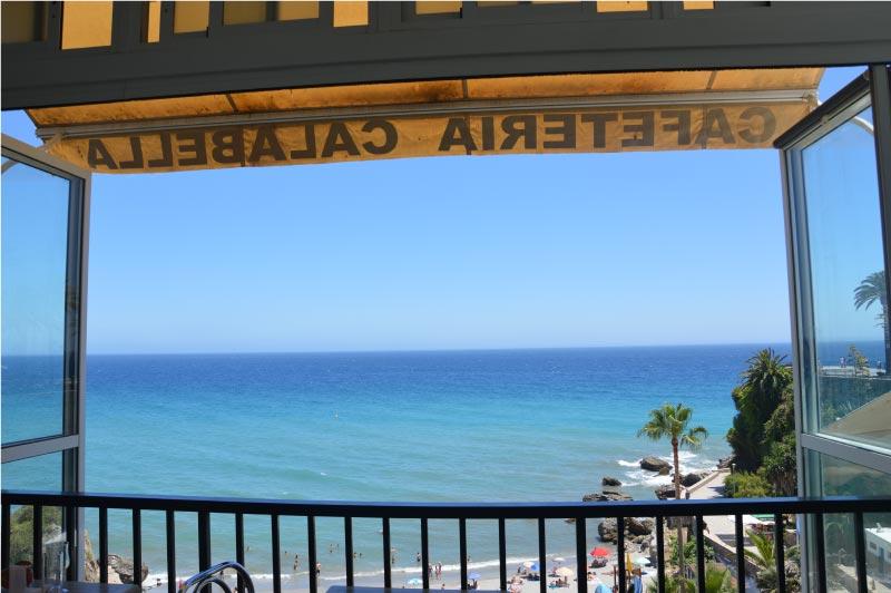 restaurante con vistas a la playa de Calahonda, Nerja.