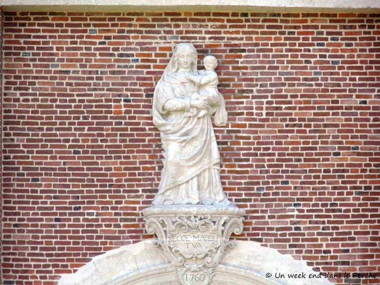 Détail du porche d'entrée de La Chartreuse du Val-Dieu