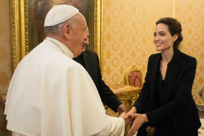 what to wear to meet the pope angelina jolie 2015