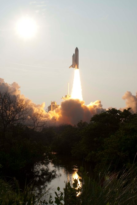 STS-118 Launch, 8/8/2007; Local ID: 255-ESD-ksc-307d-1104_0021