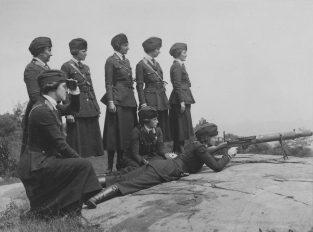 Women's Machine Gun Squad Police Reserves, New York City. 165-WW-143-B22