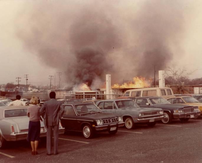 RG 64, P 61 - Employees Watch Fire, photo K-26