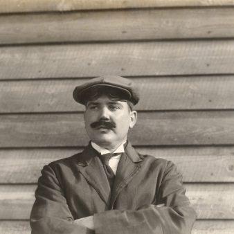 Ed Kelly. Photo number 30-N-40-525.