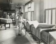 Wrigley Factory. Case sealing department. Local Identifier: 165-WW-192D-2.
