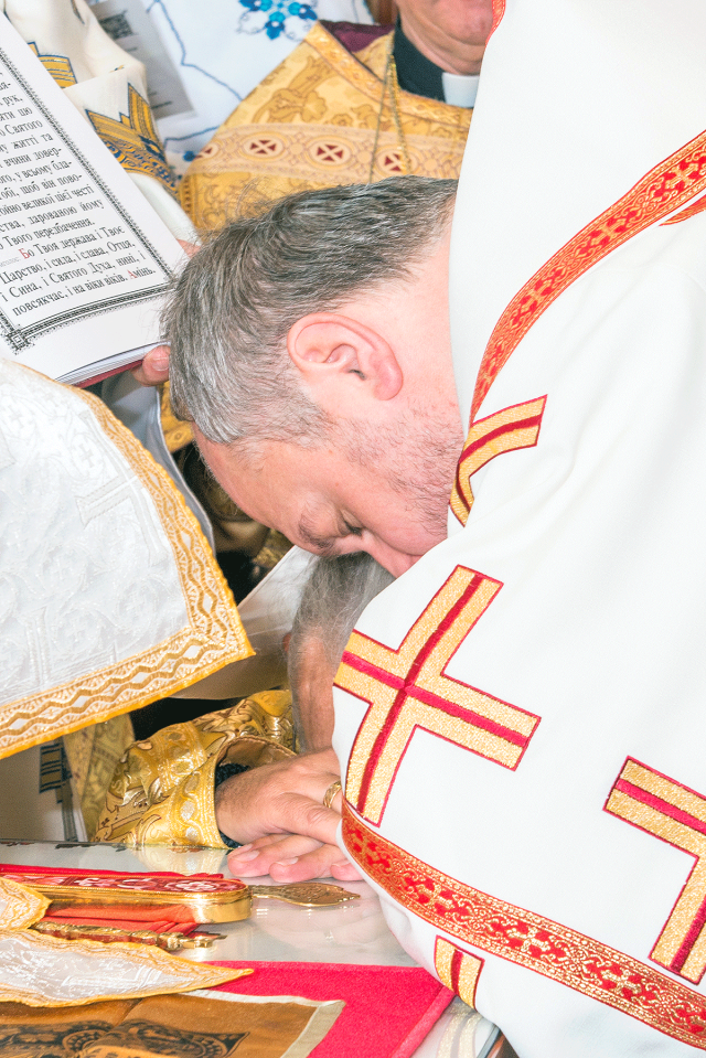Ordination---Lubomyr-into-Priest---June-14,-2015---11-30-59