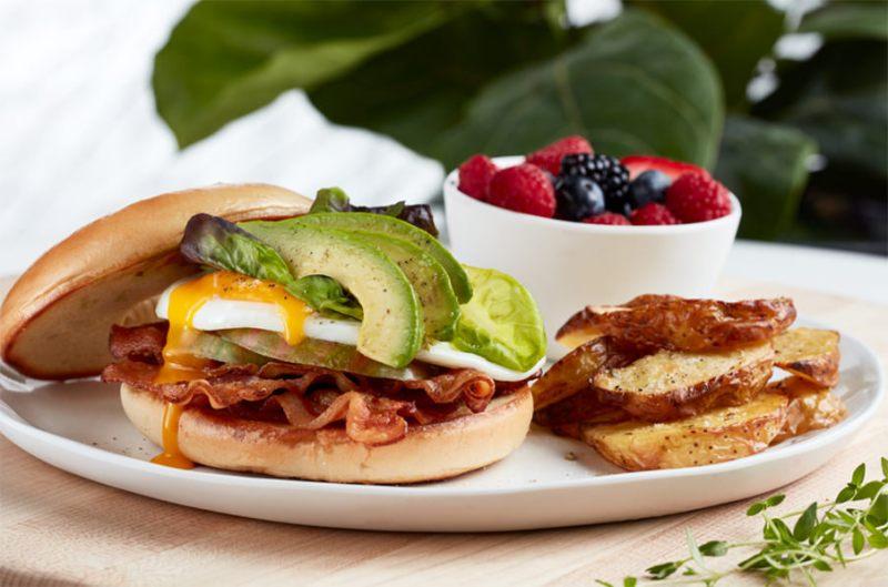 Urban-Pantry-Breakfast-BLT-Sandwich