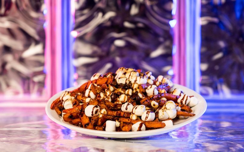Halloween-Horror-Nights-Smores-Fries-1170x731