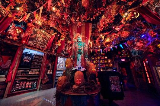 20-49004 CE20 Discover Universal BlogHHN Merchandise/Tribute Store Jack MonstersAttic Bettlejuice