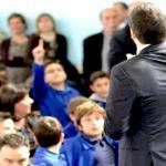 """Un bimbo scrive a Renzi: """"Perchè racconti bugie?"""""""