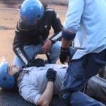 Ogni 4 ore un agente di polizia è aggredito da ubriachi, drogati e stranieri