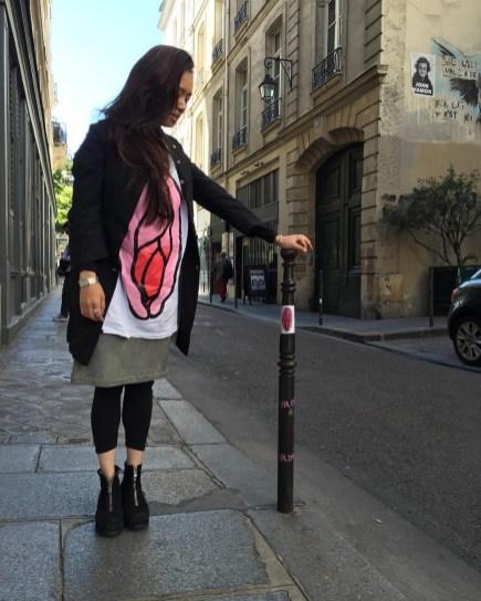 iydliyaf-girl-in-paris
