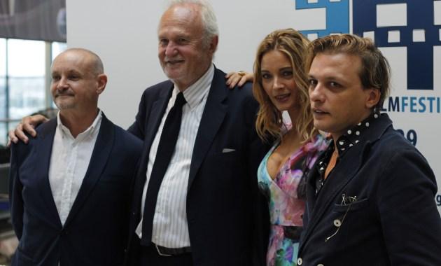 Da sx Marco Puccioni, Esterino Montino, Maria Rosaria Russo e Giampietro Preziosa per il Fiumicino Film Festival
