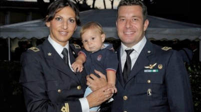 Il maggiore Debora e il colonnello Roberto con il figlio Edoardo
