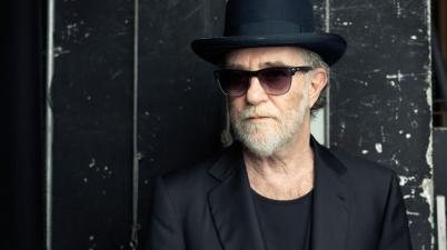 """Francesco De Gregori compie 70 anni: gli esordi del """"poeta"""" della musica italiana"""