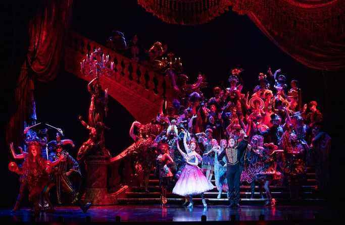 teatro, attori, danza, spettacolo,