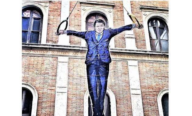 """Maupal """"omaggia"""" l'ex premier Giuseppe Conte"""