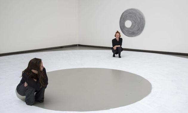 Il labirintico progetto di Dora García al Mattatoio di Roma