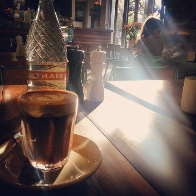 Esse café é bem pertinho da nossa casa, uma delícia de lugar e sabores.