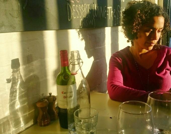Luz suave de uma tarde de outono na pizzaria à lenha Fratellino, no bairro de Malvern. Super recomendamos!