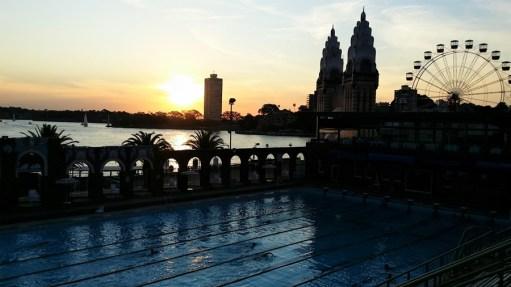 North Sydney Olimpic Pool, no lado norte da Harbour Bridge.