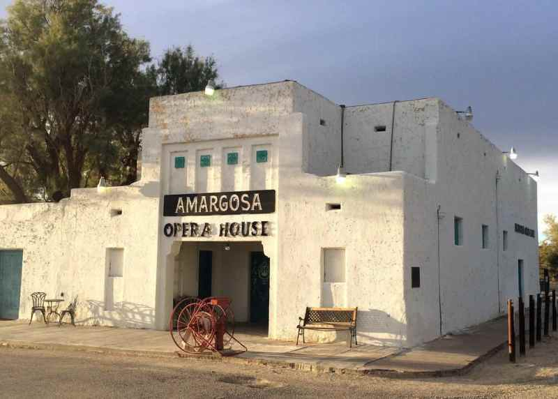 Death Valley Motel - Amargosa Opera House and Hotel