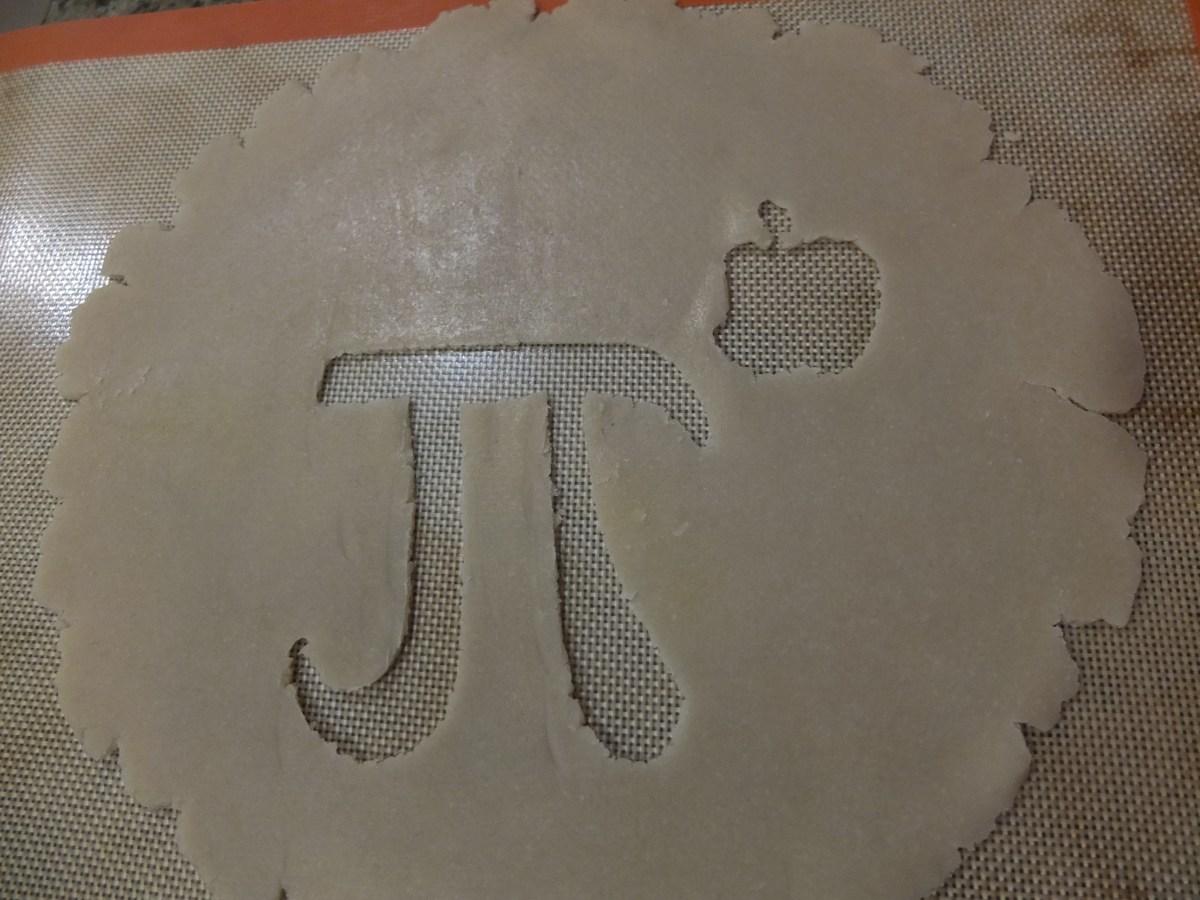 Cut out Apple Pi in crust