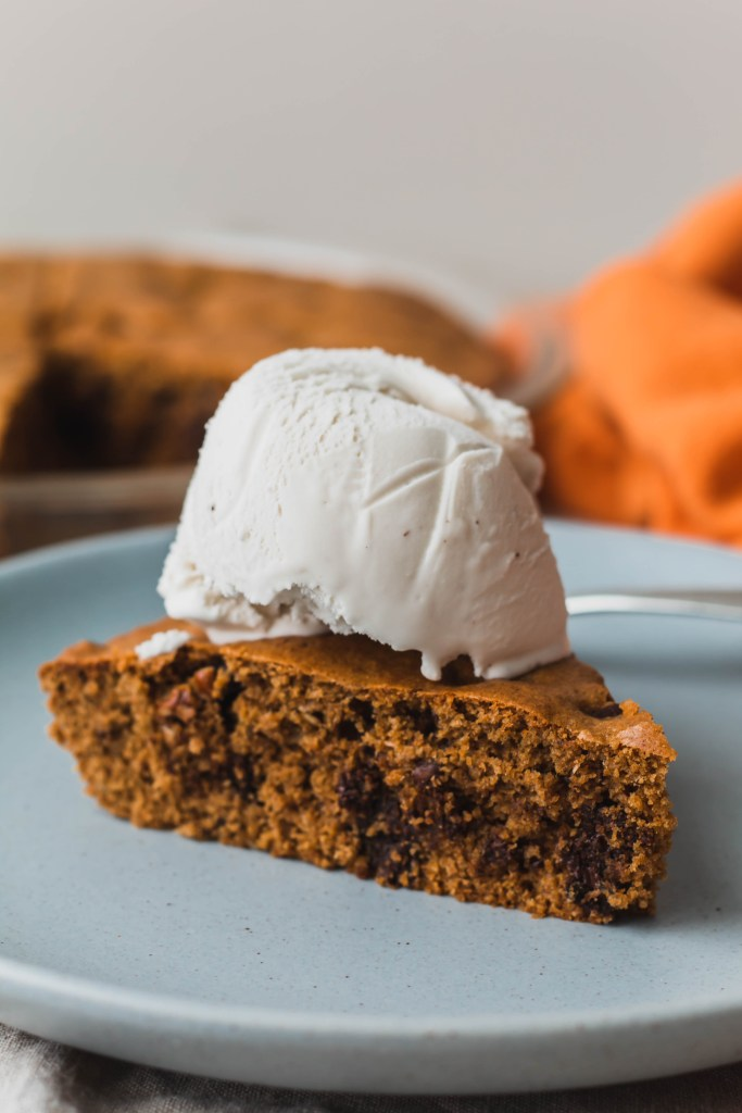 HEALTHY CHOCOLATE CHUNK PECAN COOKIE PIE RECIPE WITH VANILLA COCONUT ICE CREAM RECIPE