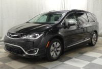 2022 Chrysler Pacifica Pictures