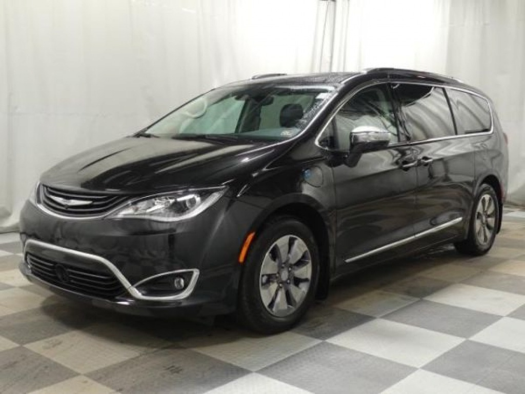 2023 Chrysler Pacifica Engine
