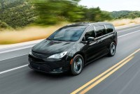 2023 Chrysler Pacifica Images