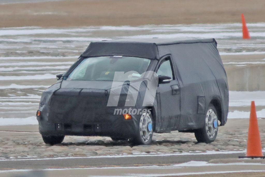 2022 Ford Courier Exterior