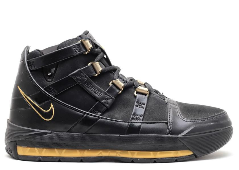 Nike Zoom LeBron 3 with an intense game of ball