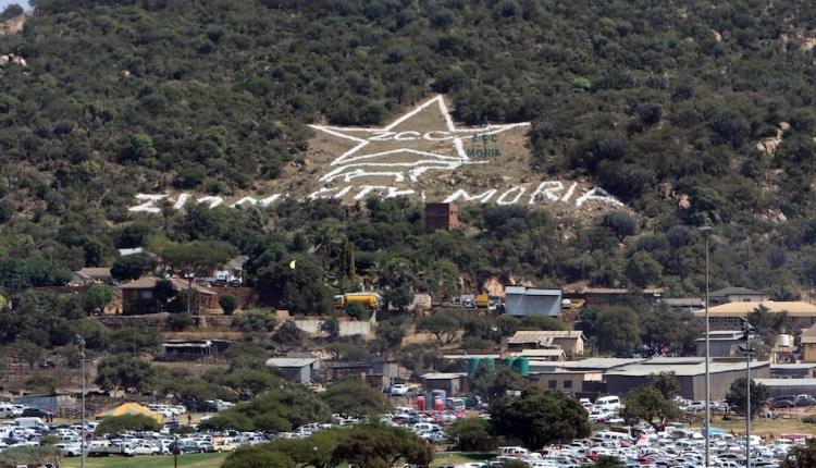 Thousands make the holy crusade to Moria