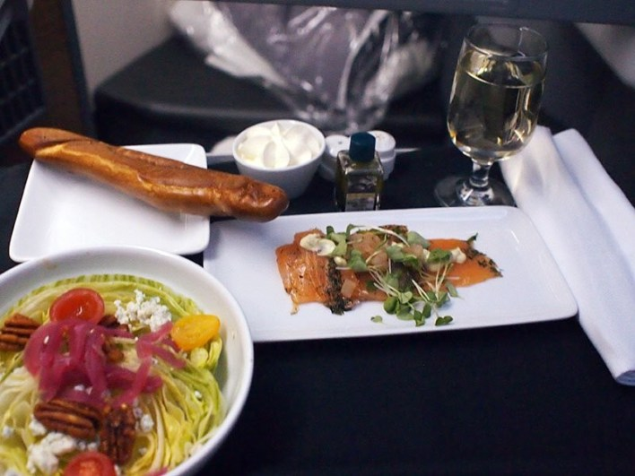 American-Airlines Business Class Dining