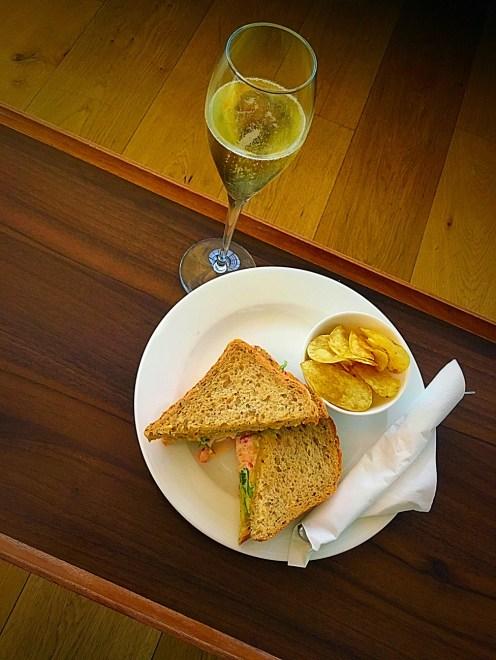 crayfish-sandwich