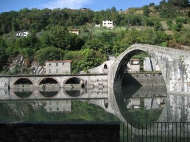 Ponte della Maddalena (Ponte del Diavolo), near Borgo a Mozzano - on holiday 2008