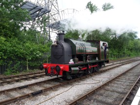 Bagnall 2680/1942 'Courageous' under steam