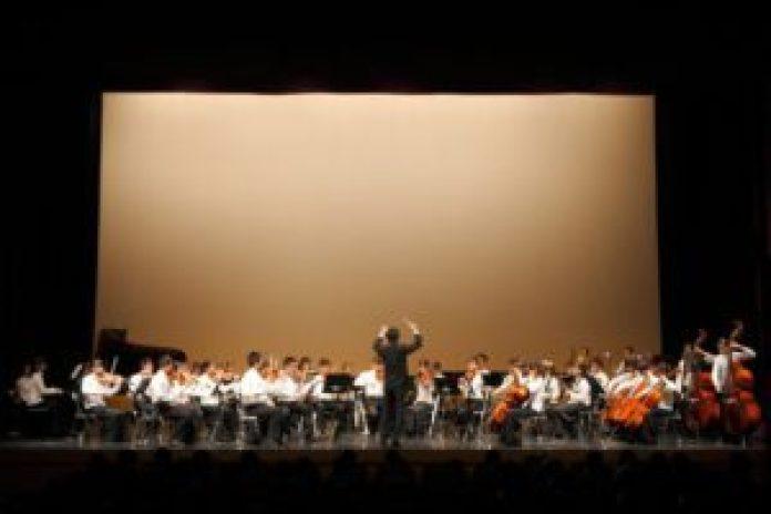 蔦松國中音樂班主要教授中西合璧的交響樂團器樂(丹尼爾攝)影