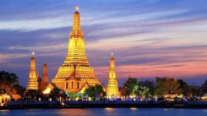 泰国郑王寺看日出