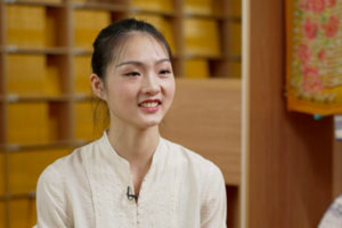 神韵艺术团主要领舞演员朱颖姝2021年6月接受了新唐人、大纪元联合专访。(新唐人电视台)