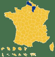 Macron votes