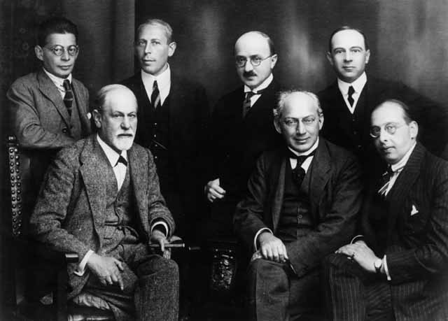 Archivo:Freud and other psychoanalysts 1922.jpg