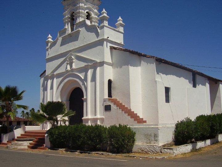 File:Iglesia de parita.jpg