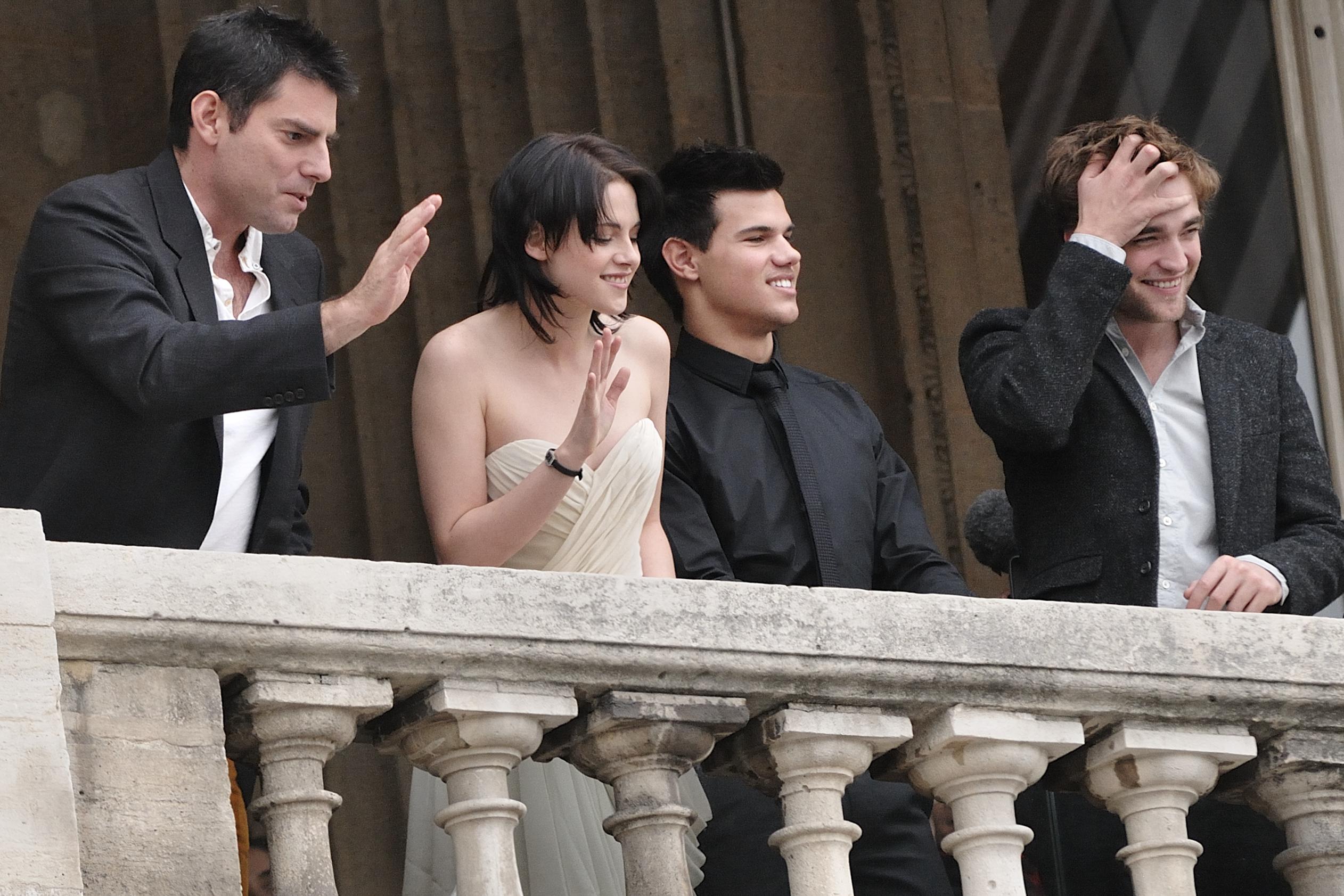 Director Chris Weitz (left), actress Kristen S...