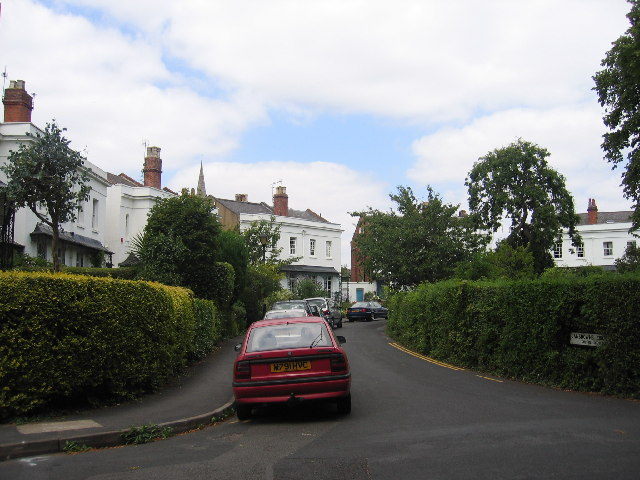 File:Lansdowne Circus, Royal Leamington Spa - geograph.org.uk - 29415.jpg