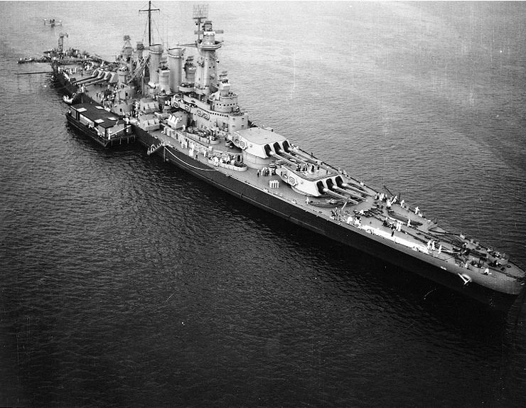 File:USS Washington (BB-56) off New York City, August 1942.jpg