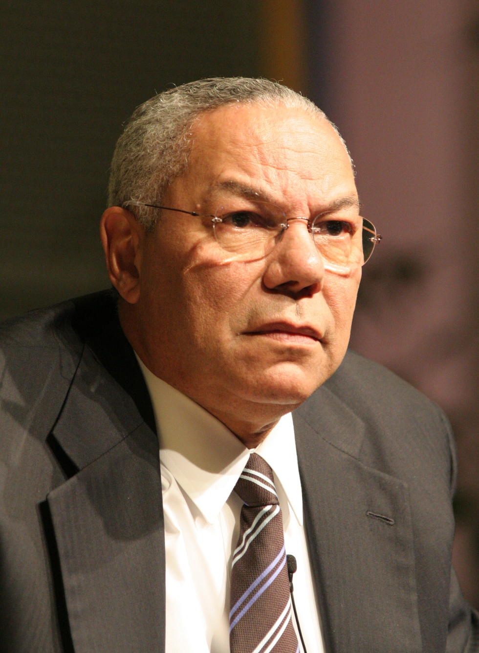 English: Colin Powell on a visit to Google on ...